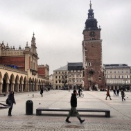 The large cloth hall on the left. Would of used to have traders and cloths from all over the world - Now full of stalls selling novelty pencils and hats with Krakow written on them.